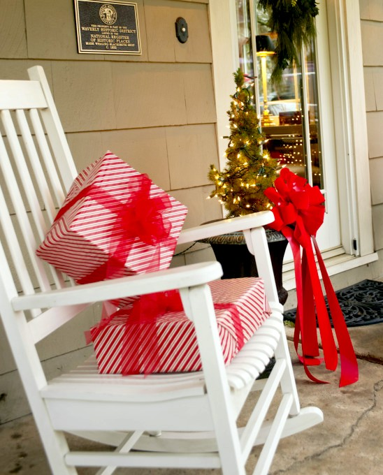 20 Cute and Easy Christmas Decor Ideas - Gifts