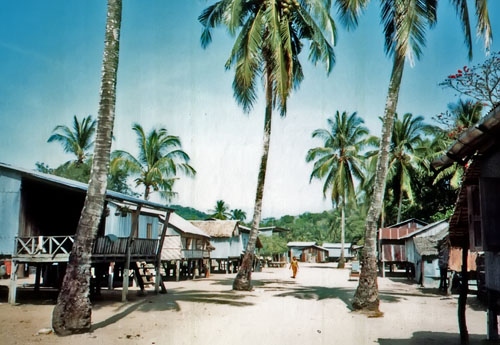 ark3 sea gypsy village phuket 1984