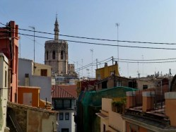 Valencia: Cathedral over the rooftops