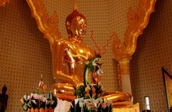 Wat Traimit - World's largest solid gold Buddha statue