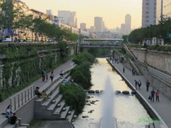 Seoul-Cheonggyecheon