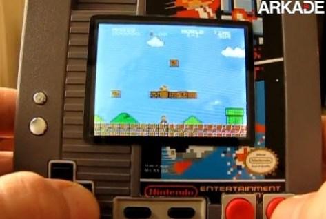 Americano transforma cartucho de NES em console portátil
