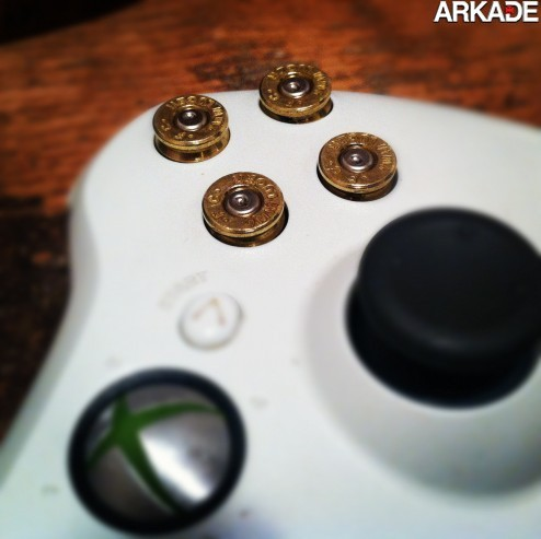 imagens  Controller de macho: saem os botões, entram balas de revólver