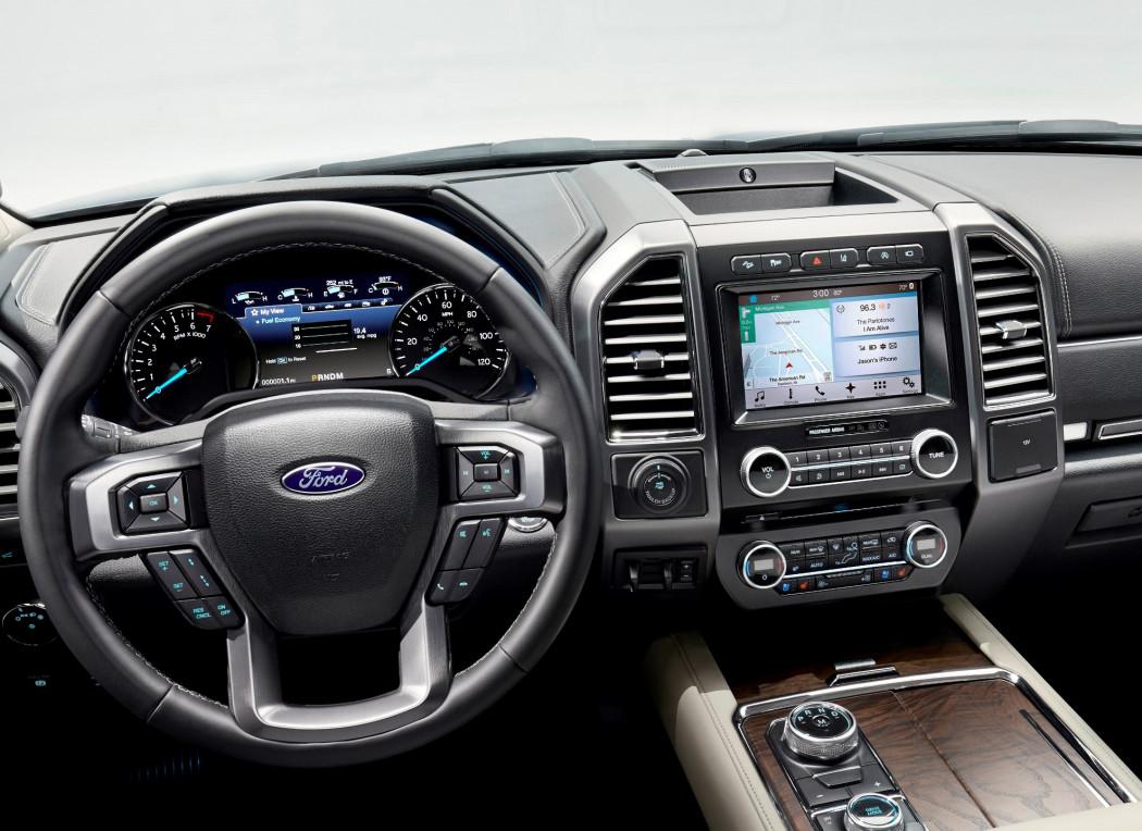Ford apresenta um inédito sistema de streaming de TV a cabo em veículos
