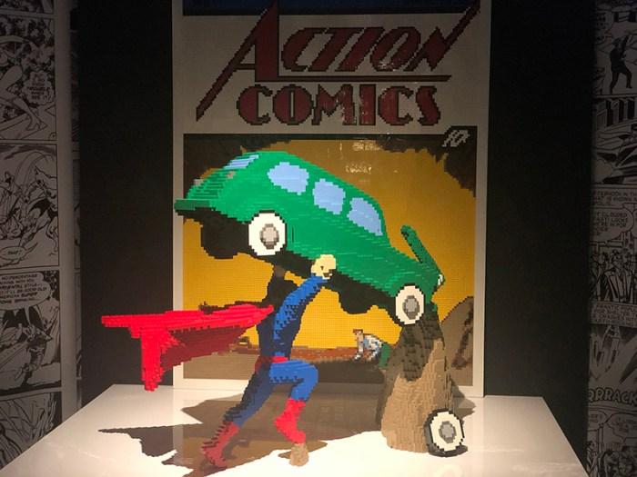 The Art of the Brick celebra a  história dos heróis da DC com peças de Lego