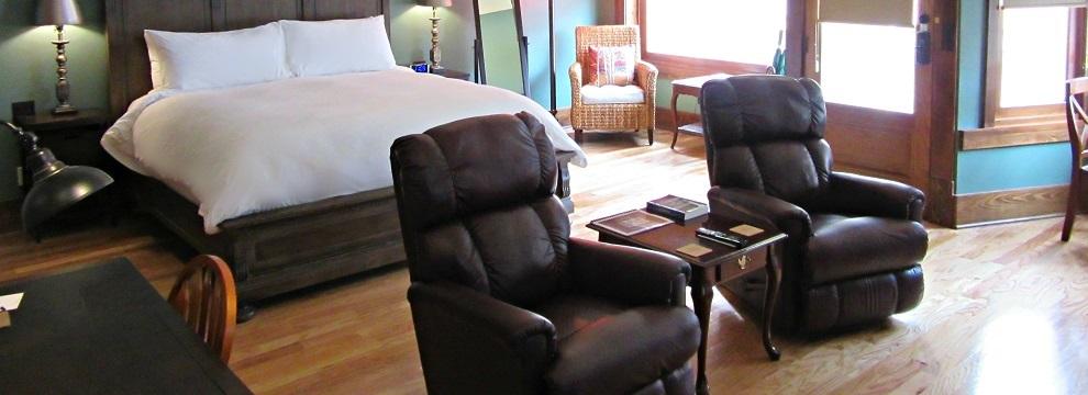 Thompson Suite sitting area