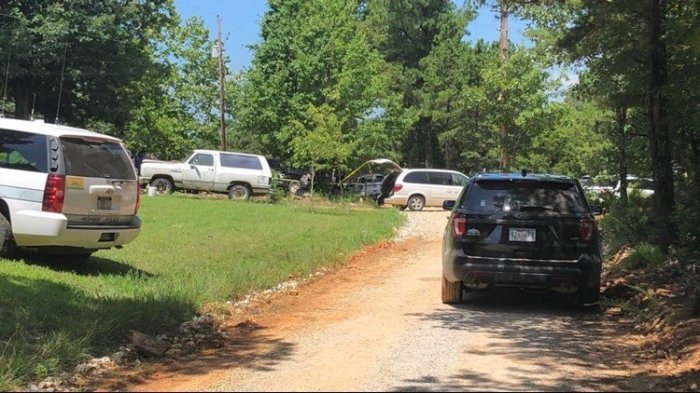 2 people dead, including Stone County Sheriff's Deputy, after officer-involved shooting