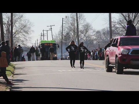 Watch: MLK parade serves as teaching moment for Little Rock father