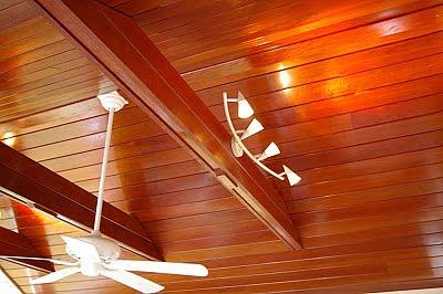 techo de madera de caoba