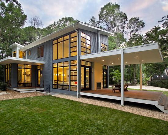 Porche moderno en una residencia en Riverside.