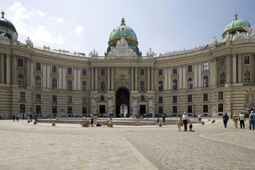 Palacio-imperial-Hofburg-en-Viena