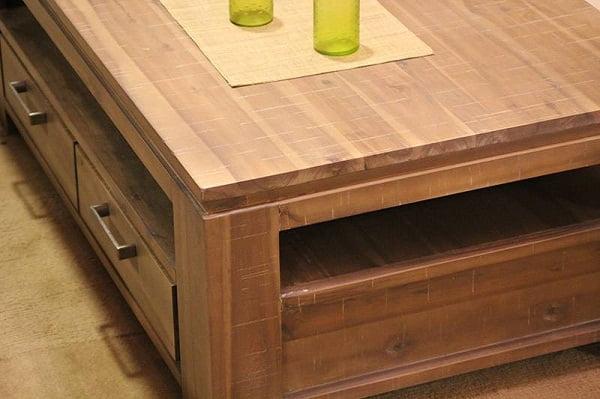 mesa-de-madera-de-acacia