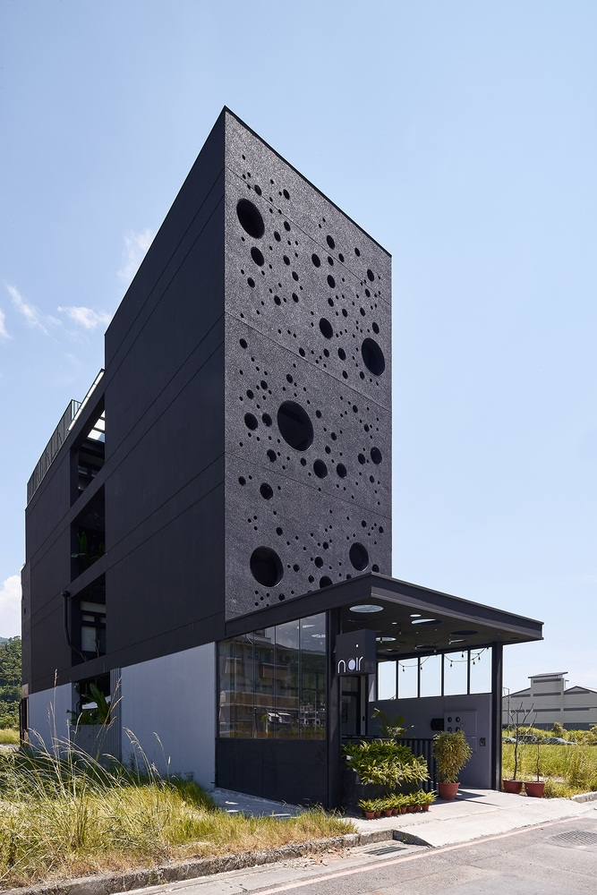 Modern linear house design known as Onyx lit house by Emerge