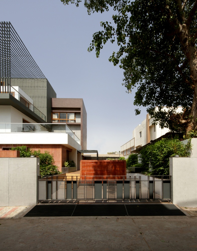 Cube House became Multigenerational House by Reasoning instincts arch. studio 1