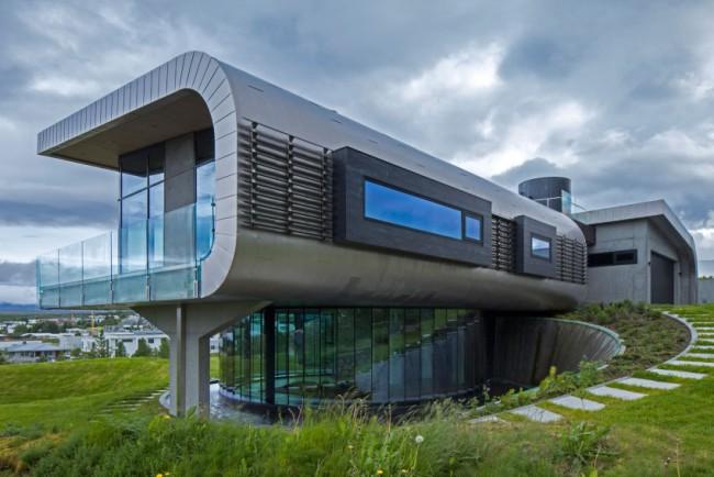 maison design avec bardage en acier et