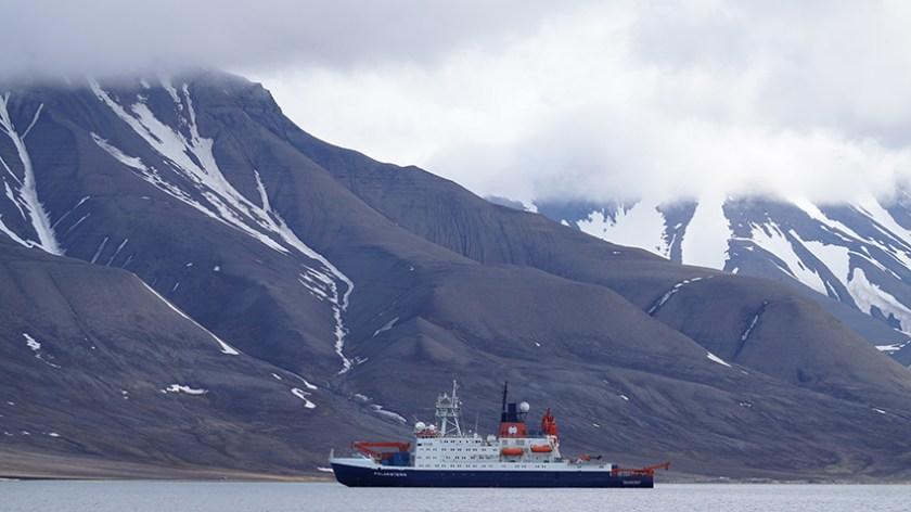 Polarstern in Longyearbyen(c)kheymach