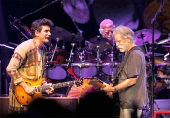 Bob Weir and John Mayer jamming during the concert in Columbus, Ohio. John Mayer enjoyed playing the the legendary Bob Weir.