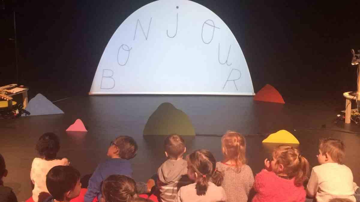 Photo d'une représentation spectacle Bonjour