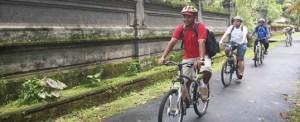 Outing Bali Taro Cycling & Ayung Rafting 032015
