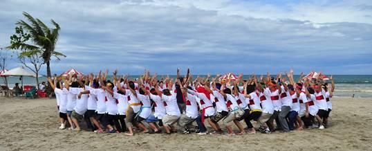 Outbound Pantai Bali Kuta CIMB