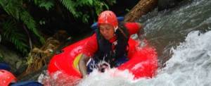 Tubing Di Bali River Single