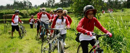 Outing Bali Cycling & Tubing Adventure Ubud Camp