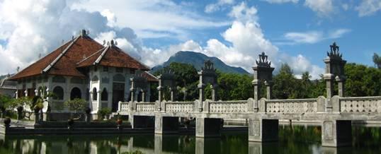 Outbound Bali di Taman Ujung Sukasada Karangasem