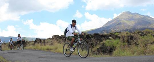 Wisata Adventure Bali di Batur dan Sekitar Kintamani - Lava Cycling