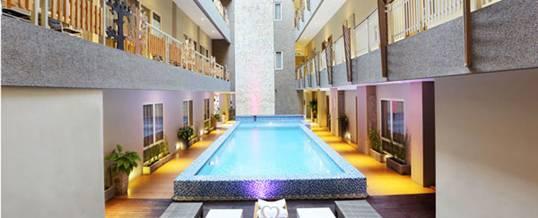 Rivavi Hotel Kuta Swimming Pool