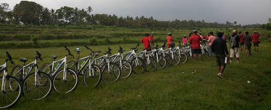 Outbound di Bali Team Building & Cycling Desa Bongkasa