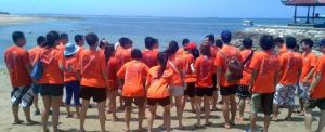 Outbound di Bali - The Susshi Bar Setengah Melompat