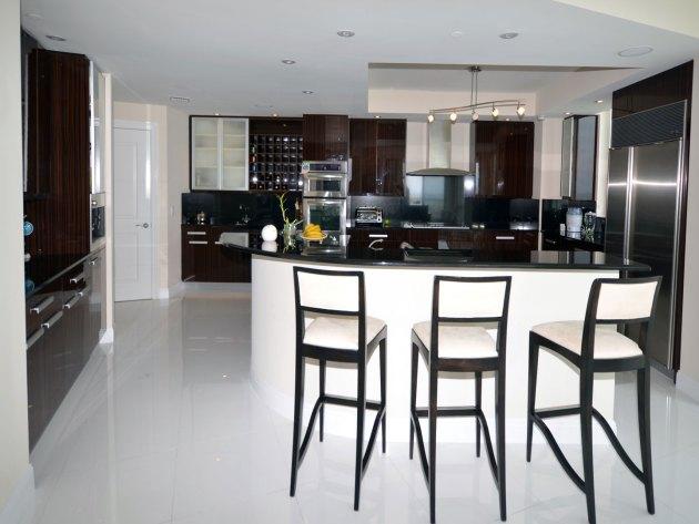 Contemporary-Kitchen-Miami-44