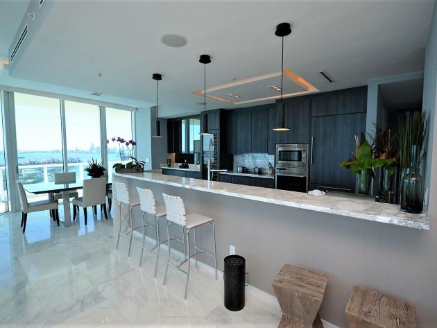 Contemporary-Kitchen-Miami-34