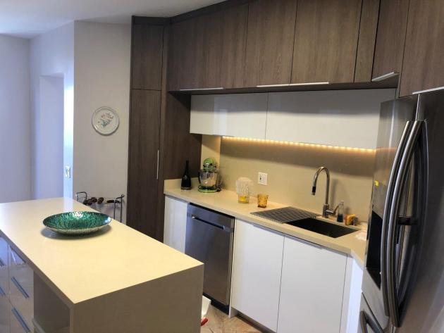 Contemporary-Kitchen-Miami-01