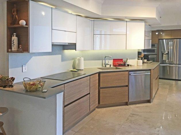 Contemporary-Kitchen-Miami-21
