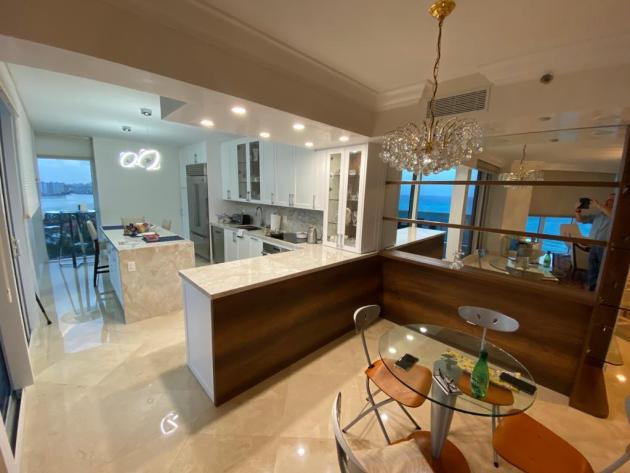 Contemporary-Kitchen-Miami-84