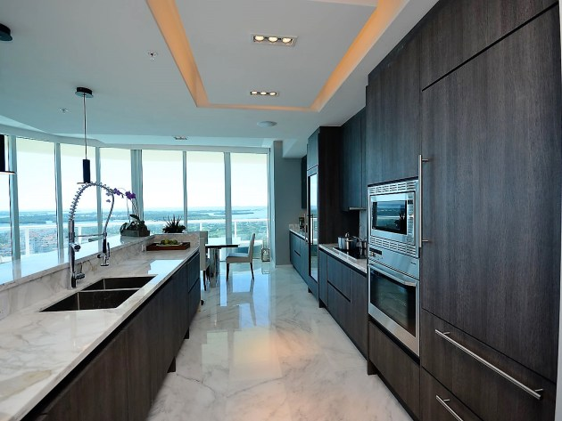 Contemporary-Kitchen-Miami-30
