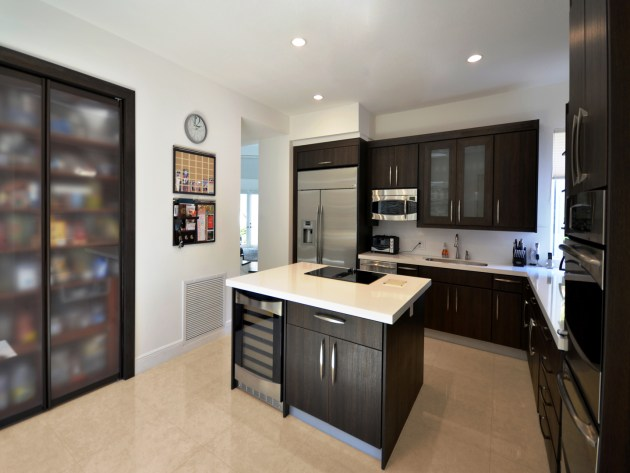 Contemporary-Kitchen-Miami-12