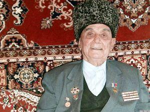 a.Abdulkhakim-Isakovic-Ismailov-1917-2010