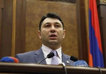 «Ցավում եմ, որ հայ ժողովուրդը այսքան անքթիծակ դուրս եկավ», — Շարմազանով