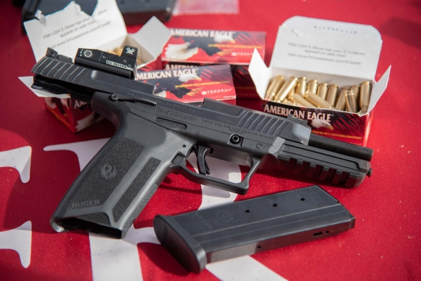 Pistola semiautomatica Ruger-57