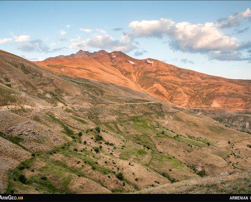 Arnos Mountain