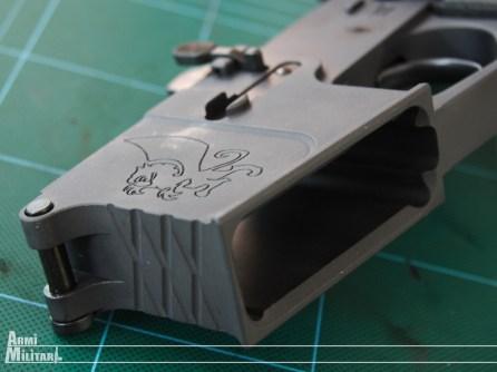 """NEA-15 12"""" - Bocchettone e logo del produttore"""