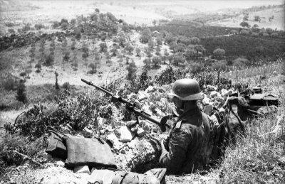 Granatbuchse Modell 39 - Bundesarchiv Soldato Italiano