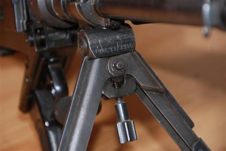 Granatbuchse Modell 39 - Bipiede