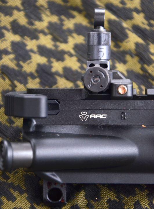 Conversione KAC 300AAC - Dettaglio mira posteriore