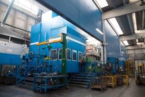 La pressa da 1000 tonnelate impiegata per la forgiatura.