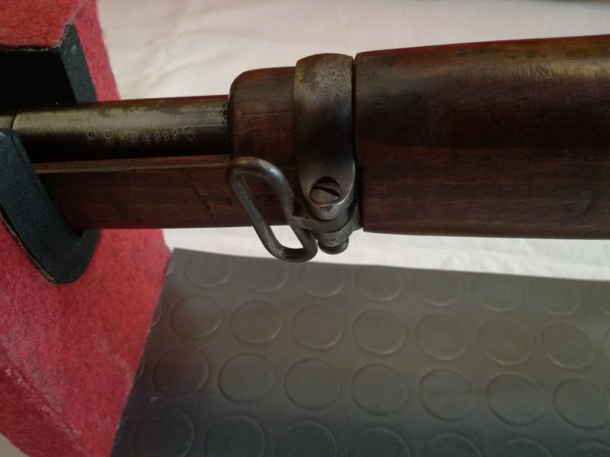 Particolare della fascetta anteriore con l'attacco anteriore per la cinghia.
