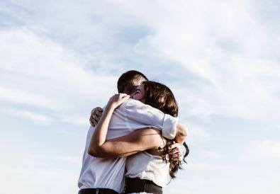 abbraccio-abbracciare