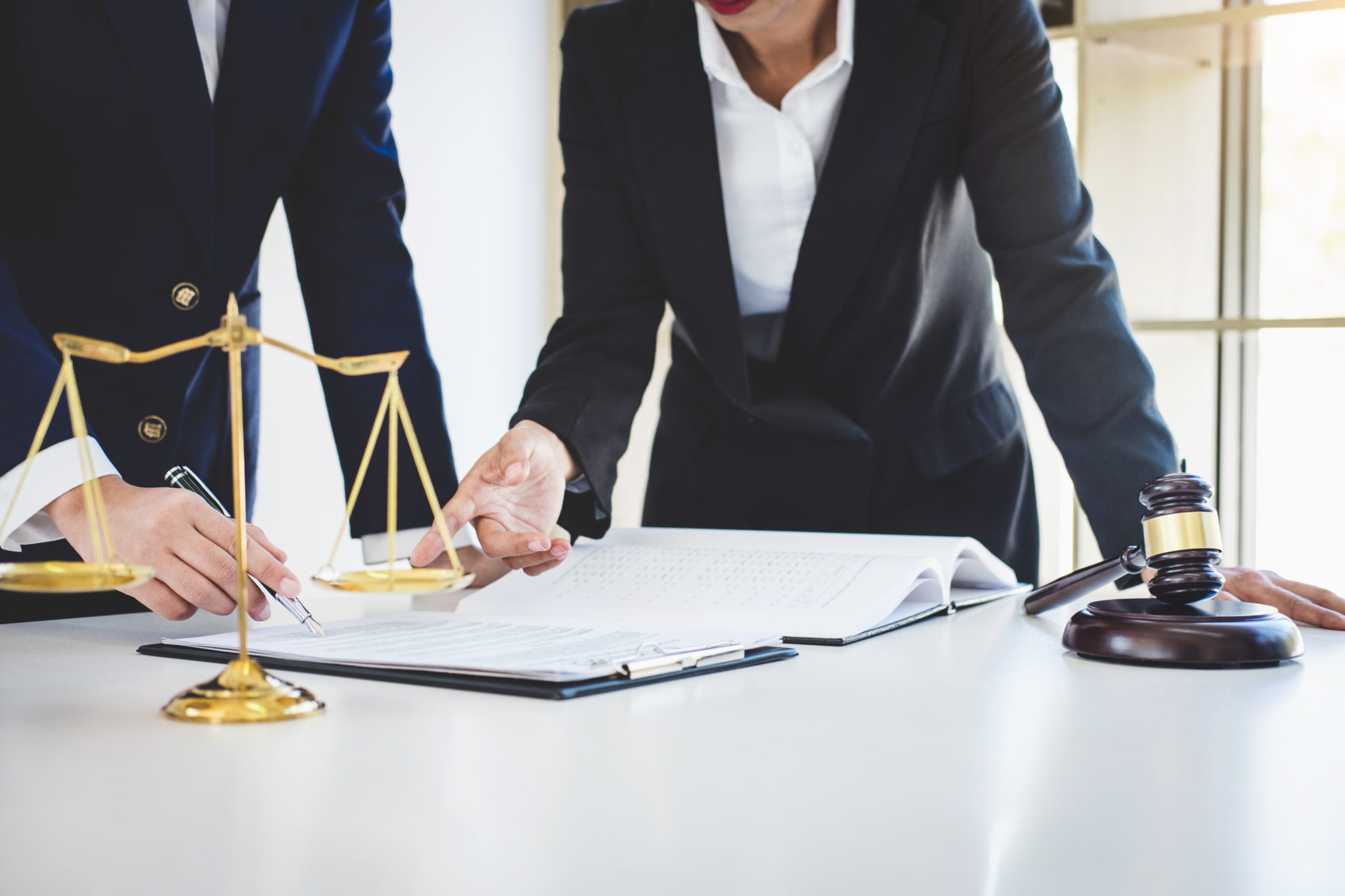 Whats Best For You Public Defender Or A Private Lawyer